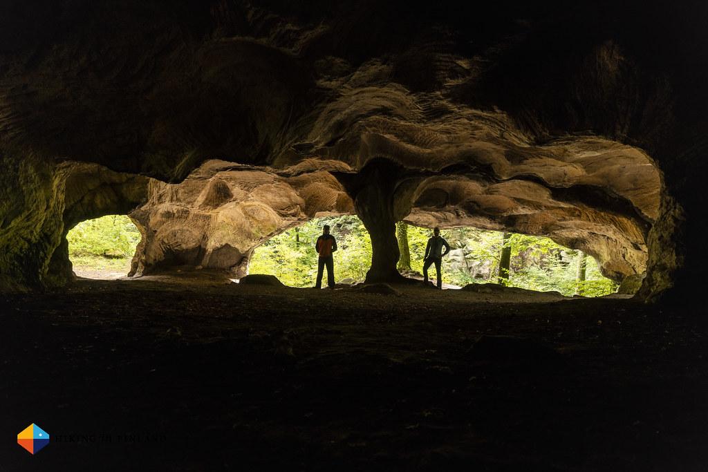 Huel Lee Cave Sophisticated Selfie