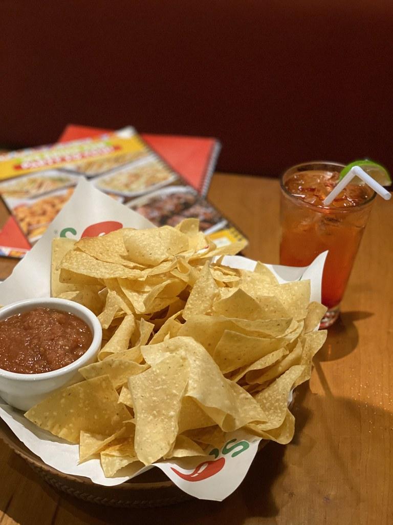 Chilis-greenhills-unli-chips-salsa.jpg