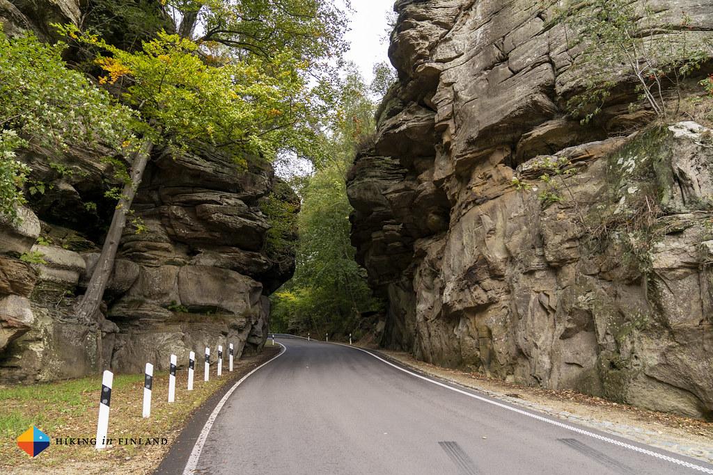 Road at Binzeltschlëff Rocks