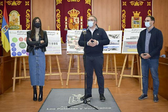 El alcalde hace públicos los proyectos del Plan Contigo en Los Palacios y Vfca