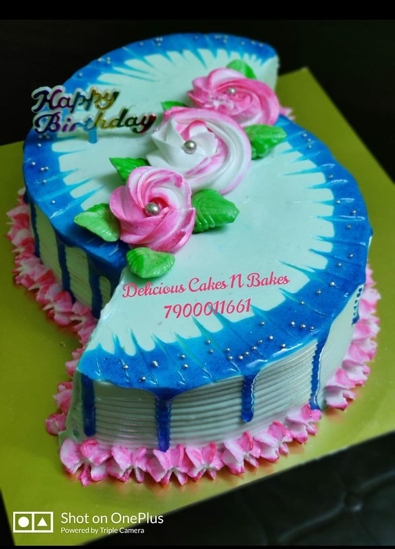 Cake by Delicious Cakes N Bakes