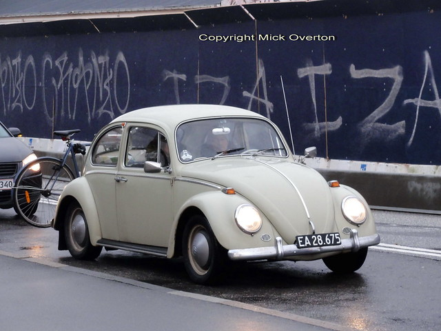 It was a surprise to see VW Bug EA28675 out on the wet winter salted roads of Denmark