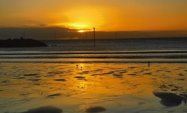 Newbiggin-By-The-Sea - Golden Dawn