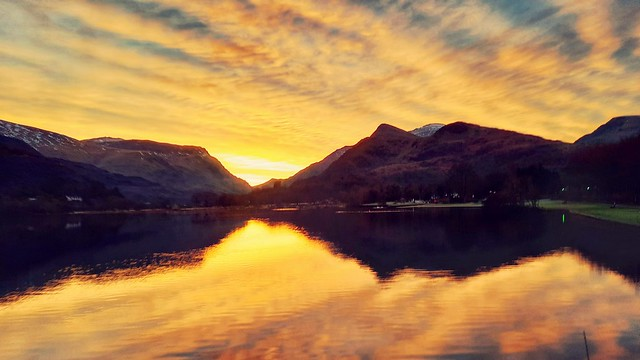 Sunrise reflection on padarn lake in Llanberis