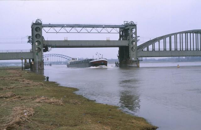 98400929-21499 Zwolle 22 februari 1997