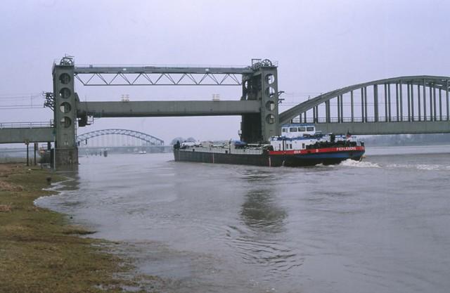 98400928-21488 Zwolle 22 februari 1997