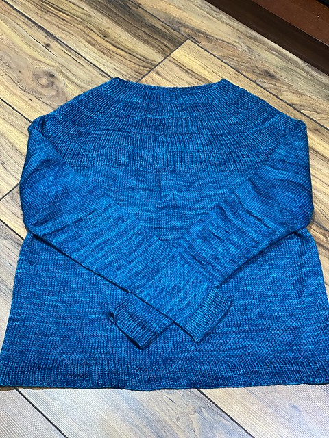 Jen (@seaturtlecraftco) has her Anker's Sweater by PetiteKnit off her needles!! What a beautiful colour!