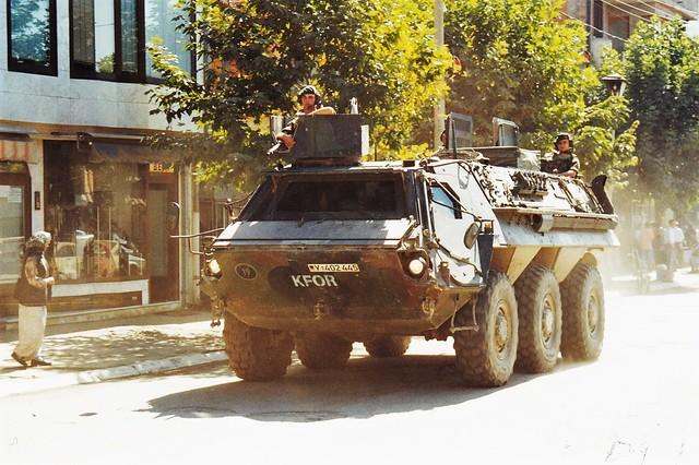 Transportpanzer (TPz) Fuchs 6x6 KFOR German Army Ferizaj Kosovo 1999a