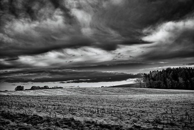 Schneeland  und Wolken