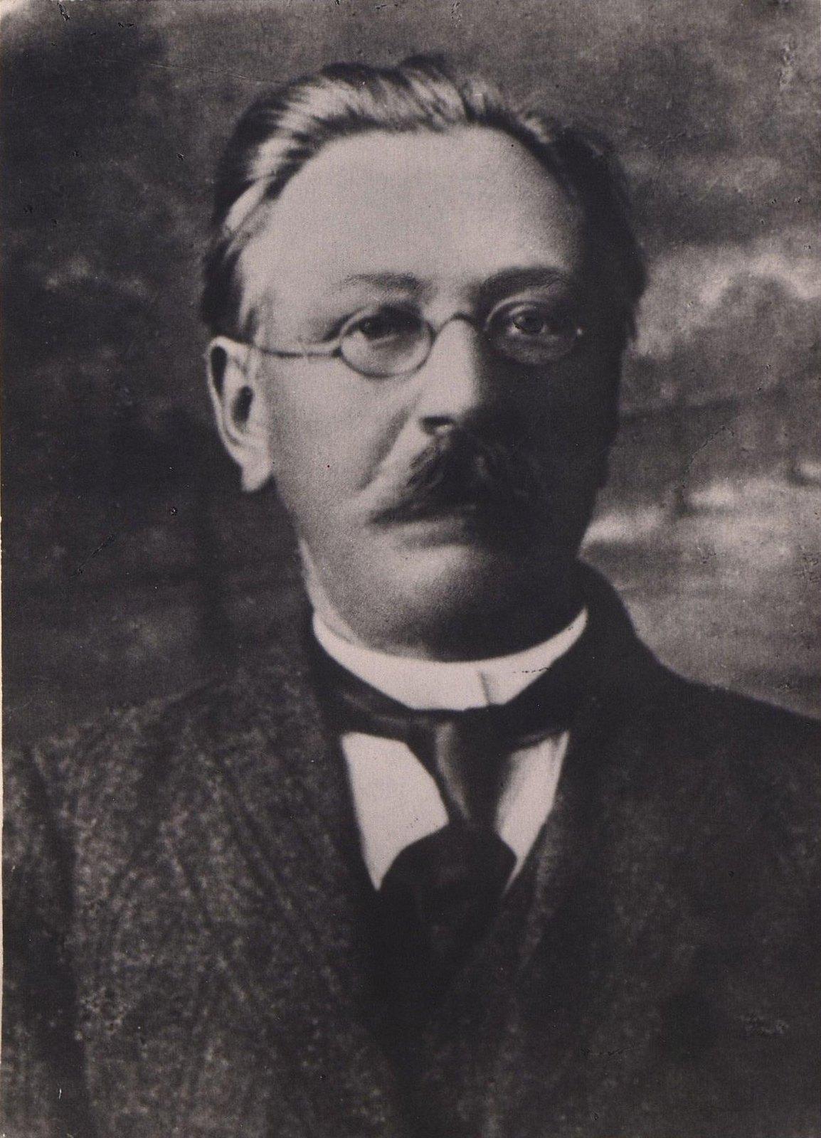 Тимченко Иосиф Андреевич, изобретатель-самоучка, работавший техником в Новороссийском университете в Одессе в конце XIX - начале XX вв. 1906-1910 гг.