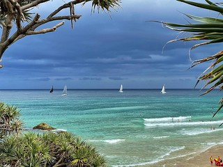 Great day at main then those stormy colors arrived. Nice to see the sailing race coming around the headlands ! #stormscoming #straddieis #redlandsanyday #sailing #colours #nature #shotoniphone | by Luke KC