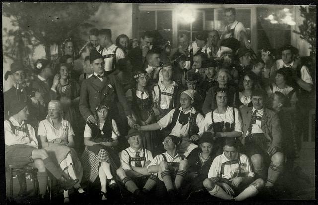 ArchivTappen2AAl2d496 Faschingsfeier, Fotoalbum, 1900-1930er