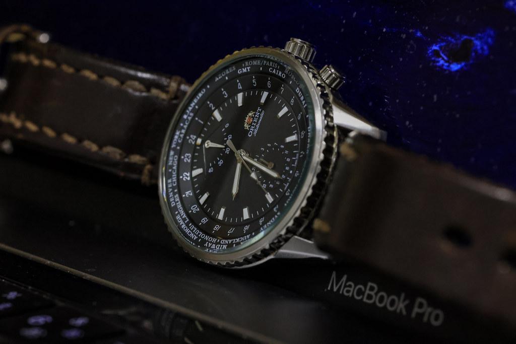 RF85mm F2で撮るアナログ腕時計の日
