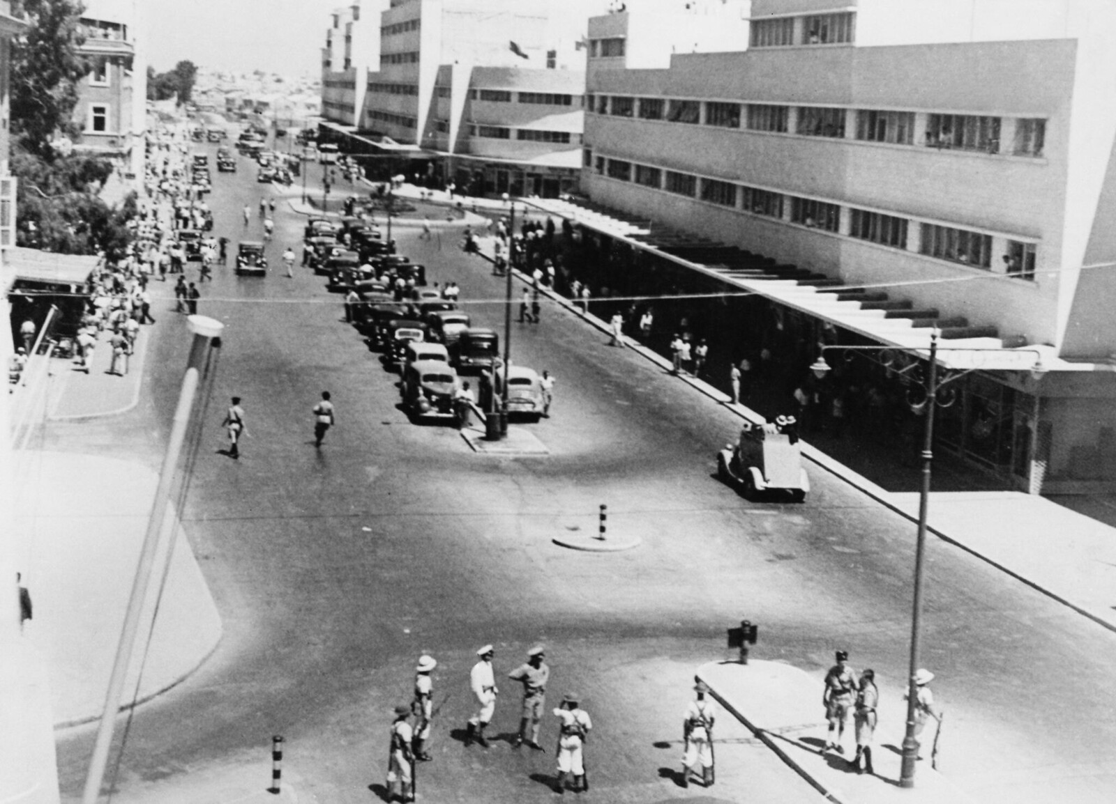 17. 1938. Кингс роуд в Хайфе после террористического акта