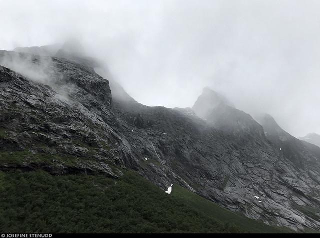 20190702_i1 Mountains & clouds near Trollstigen, Norway