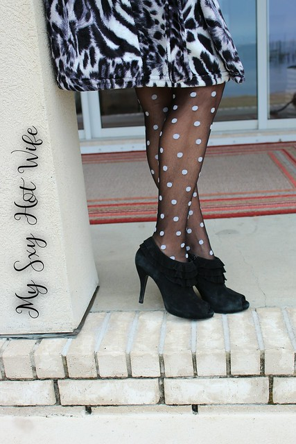 MySxyHotWife's sexy legs and heels