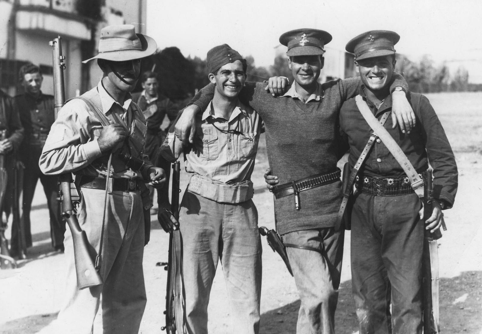 04. 1938. Бригадный генерал Орд Вингейт  организовал Особые ночные отряды - вооруженные группы, сформированные из британских добровольцев и людей из Хаганы