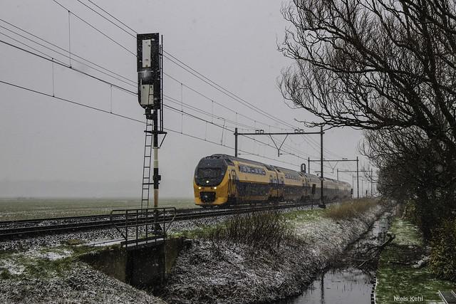 NS VIRM in de sneeuw