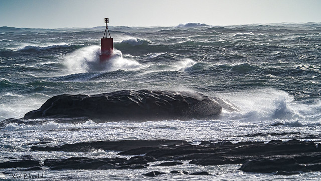 Waves on the beacon