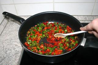 35 - Roast tomato puree / Tomatenmark anrösten