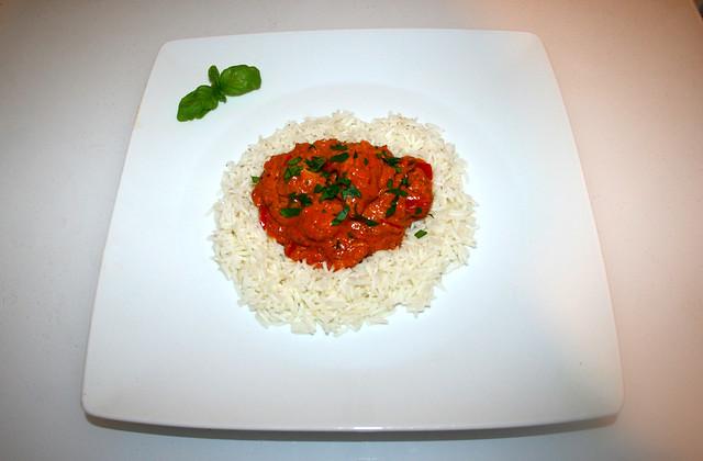 50 - Chicken Tikka Masala - Served / Serviert