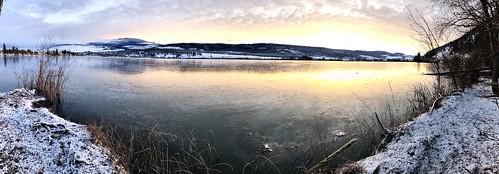 Canada in a nutshell   #kelownabc  #frozenlandscape