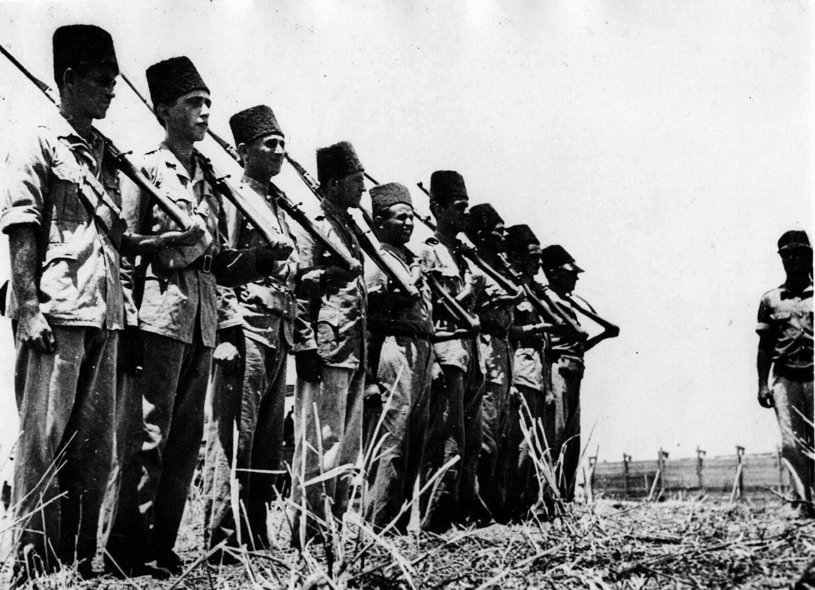 25. 1938. Еврейские солдаты на стрельбище