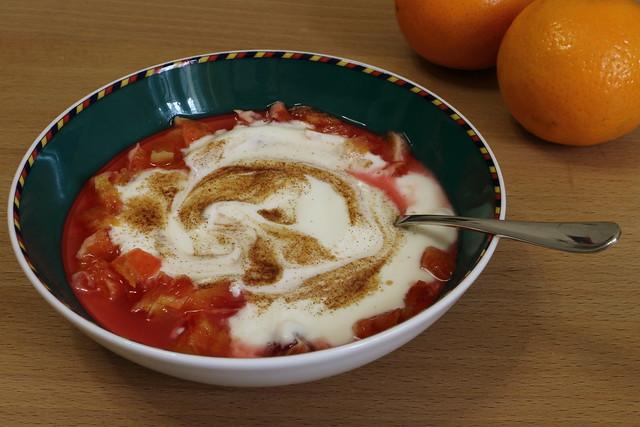 Joghurt mit Blutorange und Zimt