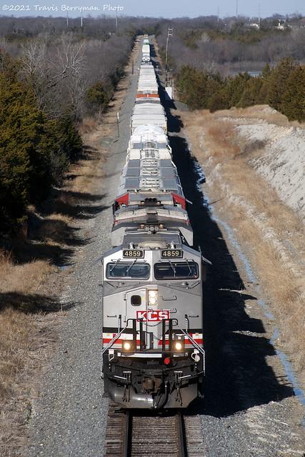 ATDA2 with KCS 4859 at Lake Levon, Tx