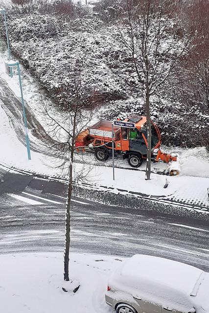 Januar 2021 ... Wetter Mannheim Januar 2021 ... Viel Schnee in Mannheim Seckenheim ... Schneeräumer ...  Brigitte Stolle