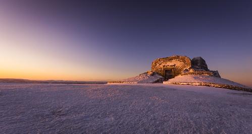 moelfamau clwyd hills flintshire wales cymru uk unitedkingdom greatbritain nikond7200 sigma1020 snow winter jubileetower landscape sunrise