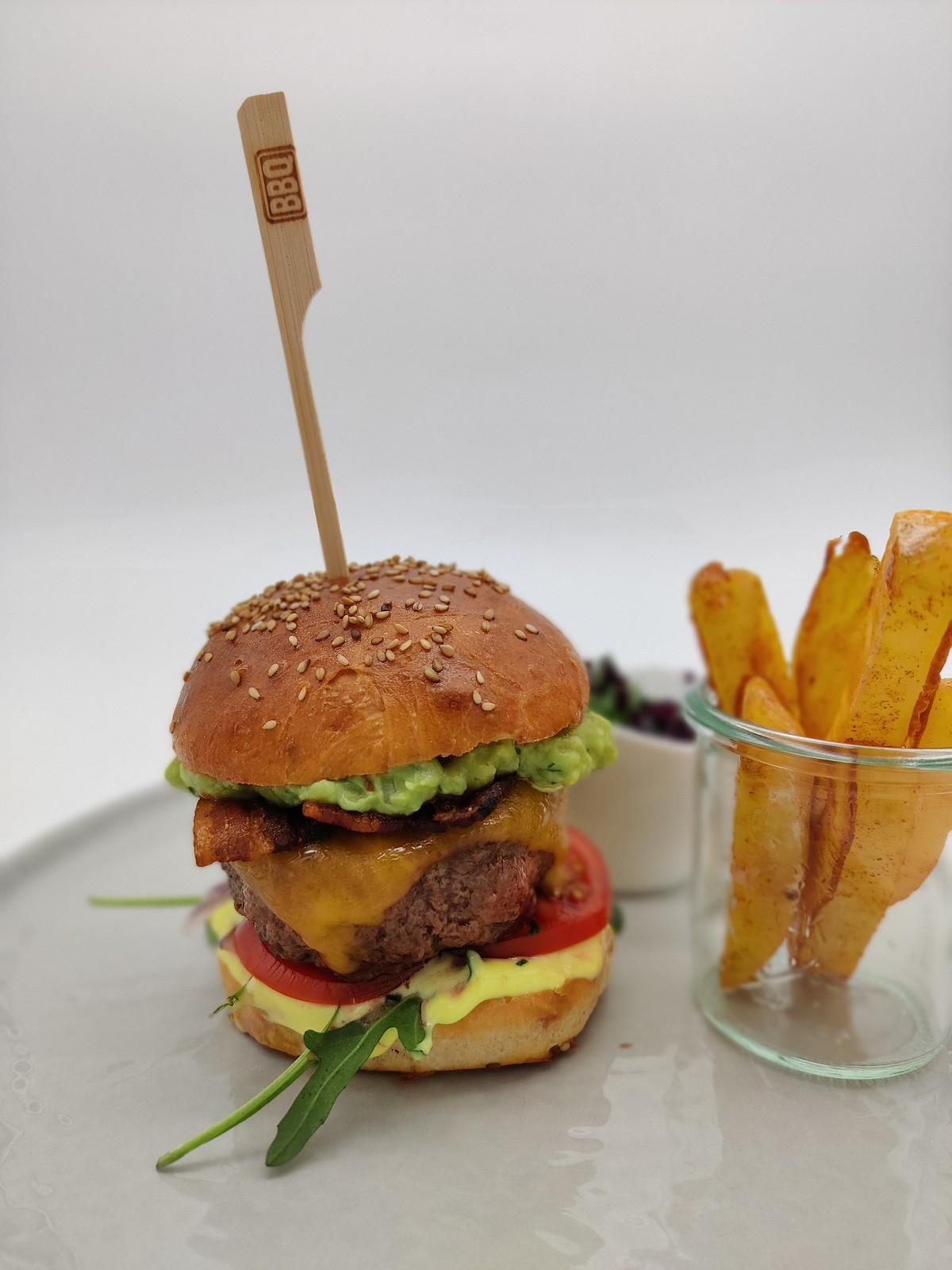 Guacamole-Beef-Burger