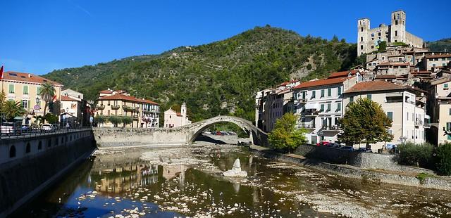 Dolceacqua (Imperia, Liguria, It.) – Pont sur la Nervia