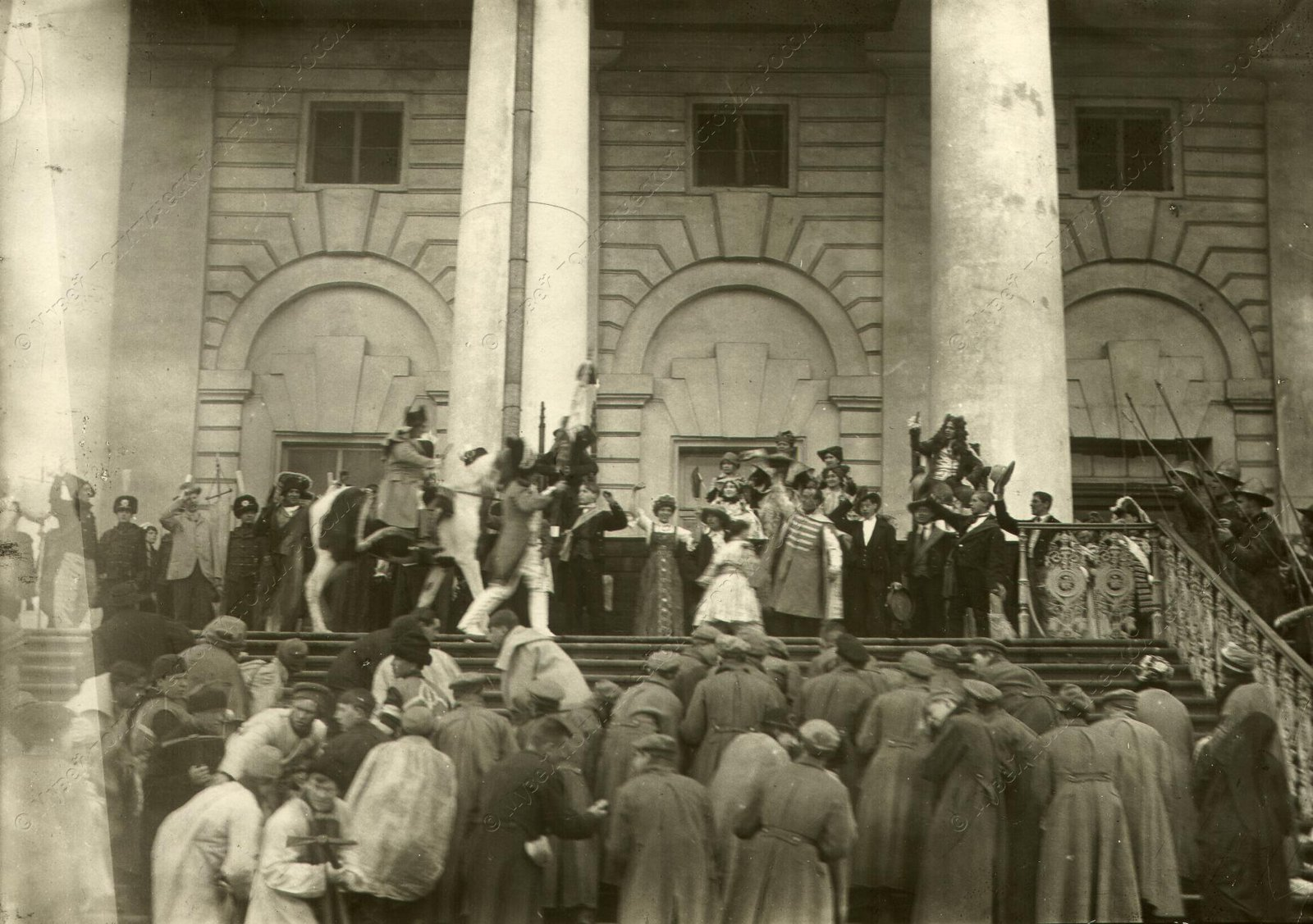 1920. Сцены из спектакля Освобожденный труд. Мистерия поставлена 1 Мая у Фондовой Биржи
