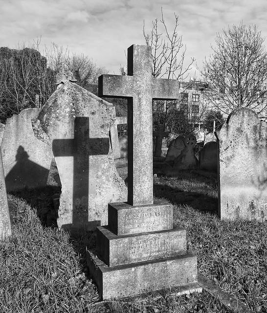Sunday morning in Kensal Green Cemetery