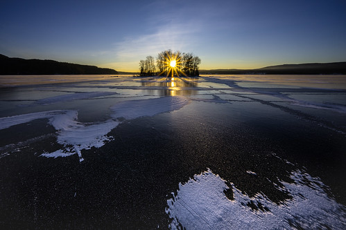 blackice ice winter lake frozen january sunset sunrays sunstar snow outdoors nikonz7