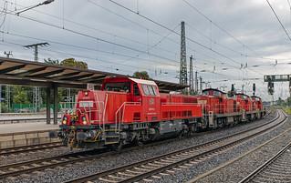 DBC 265 017, 294 956, 294 698 en 294 957. Bremen Hbf