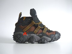 1997 VINTAGE ADIDAS EQUIPMENT KATMAI FEET YOU WEAR TREKKING / HIKING SPORT HI SHOES / HI TOPS