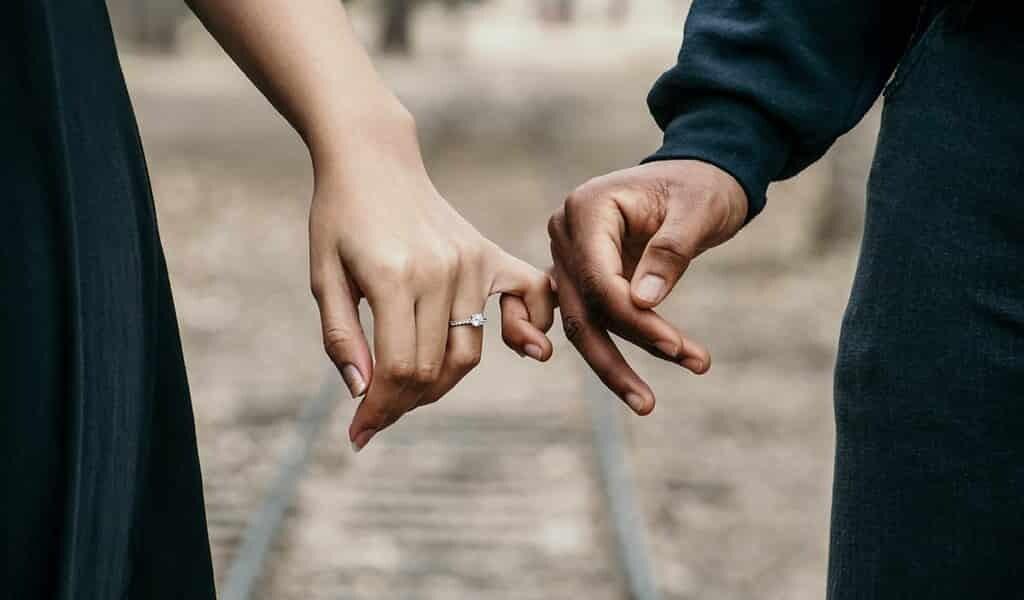 EGG-étudie-le-comportement-romantique-des-couples