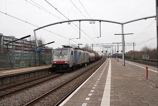 LNS 186 454 te Zwijndrecht