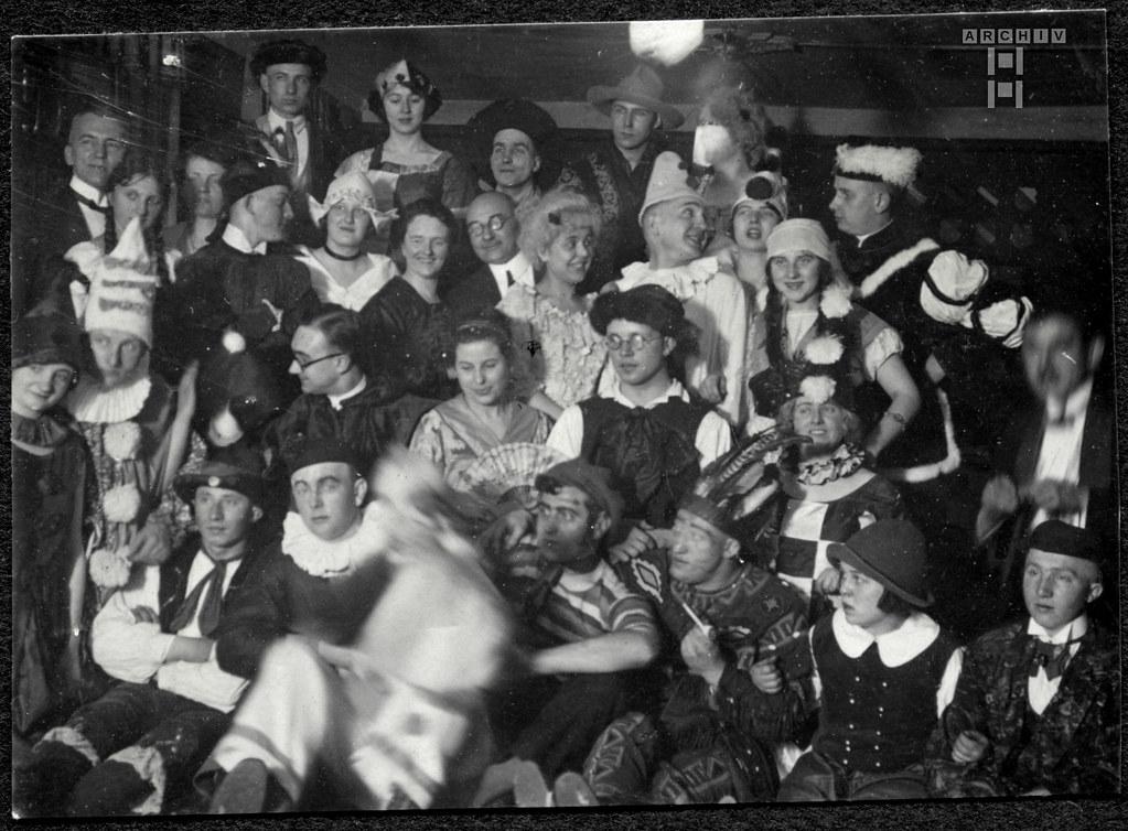 ArchivTappen2AAl2d509  Fasching, Fotoalbum, 1900-1930er
