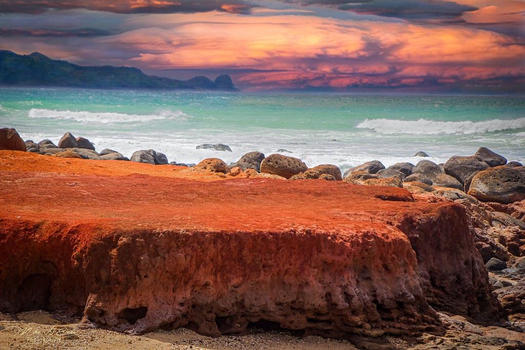 Kaihalulu Beach Nearing  Sunset
