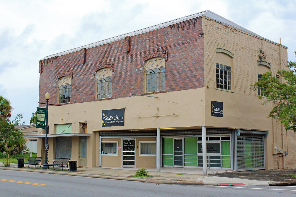 Commercial Block, Perry