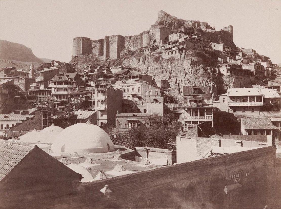 Тифлис с видом на крепость и бани князей Бебутовых. Раев Г.И. 1890-е
