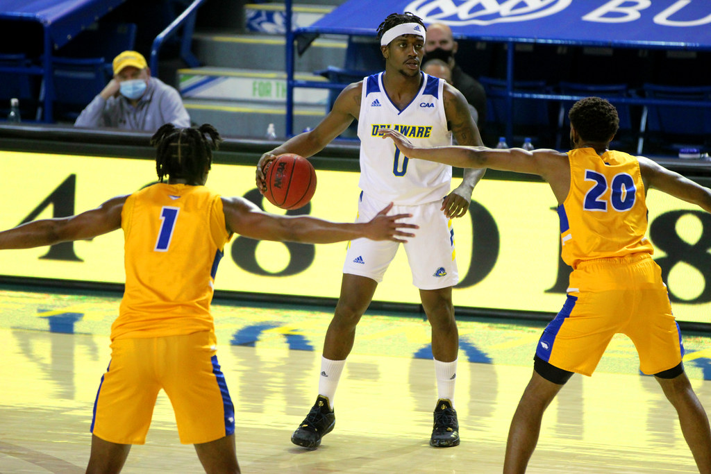 The Hens Half Court Podcast: The men miss out on a last second sweep of Hofstra; Women's basketball remains unbeaten in conference play