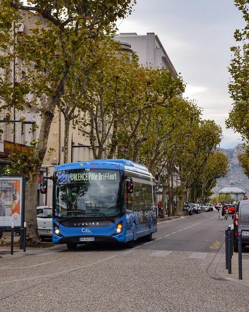 Valence : Un GX 337 électrique et sa belle face avant Linium s'avance vers la gare du centre-ville. (20.10.2020)