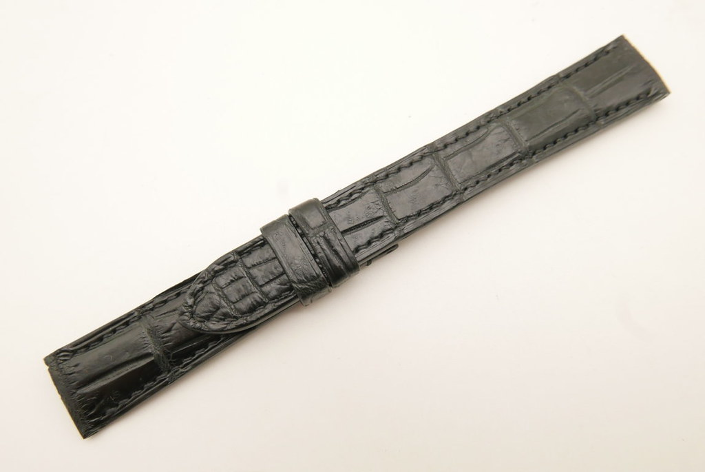 P1740743 (FILEminimizer)   by Ziczac Leather