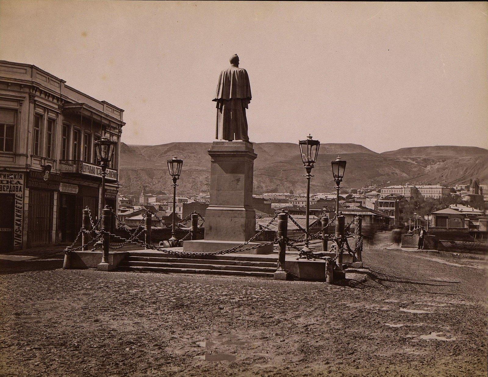 Памятник графу Воронцову-Дашкову