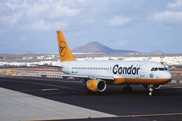 D-AICH A320 Condor Arrecife 03-04-02