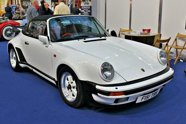 153 Porsche 911 (930) Turbo Targa (1988) F 151 TRK